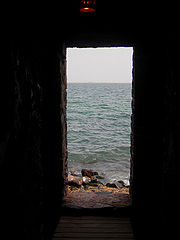 180px-Portal_of_sorrow-senegal-01